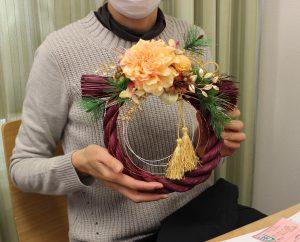 モダンなお正月飾り レカンフラワー
