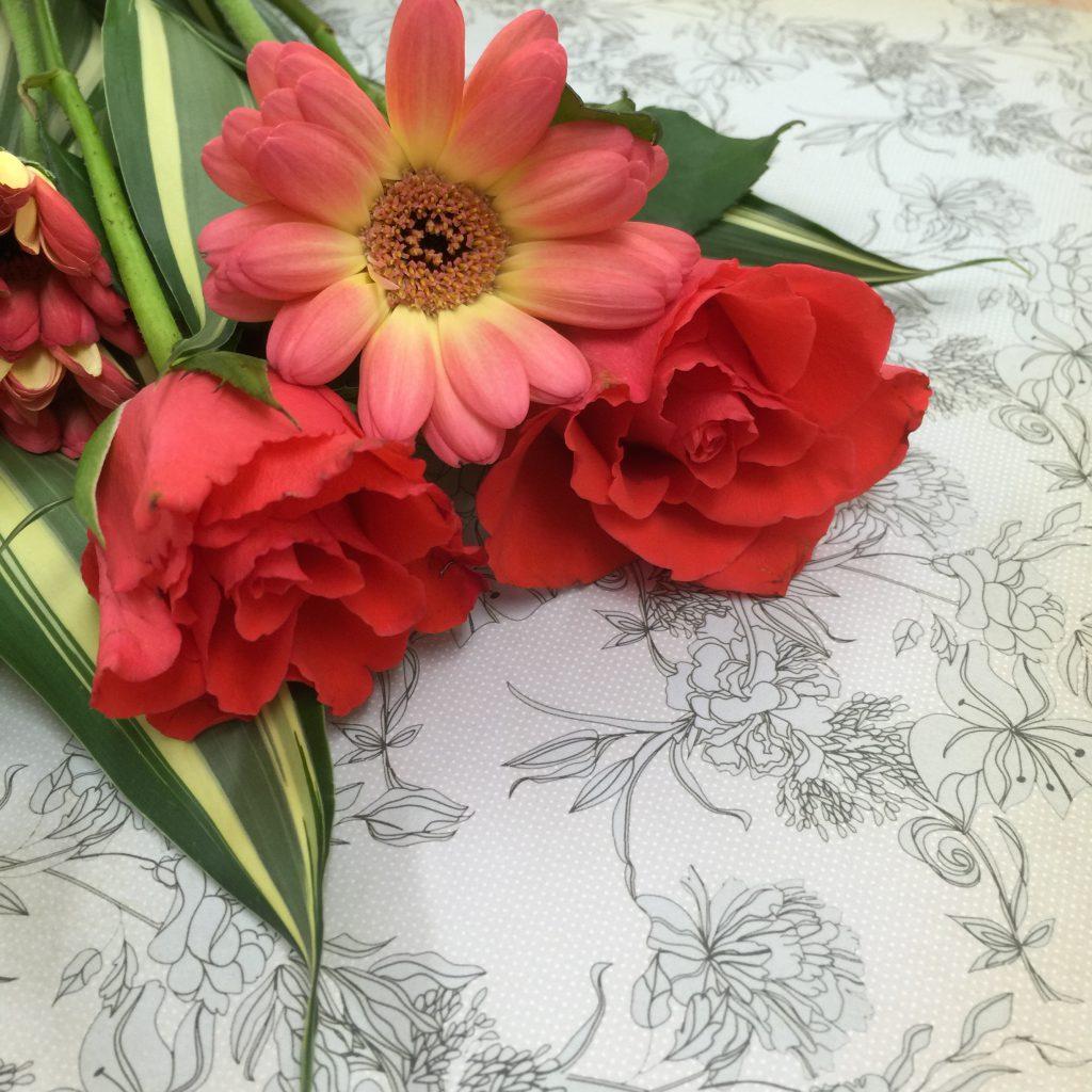 薔薇とガーベラ