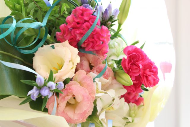 フラワーアレンジメント花束の注文 真夏のブーケアップ