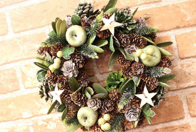 お洒落なクリスマスリース入荷☆35㎝ゴールド&シルバー☆|壁かけ青りんご