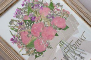 モダンウッド大人可愛いシャビーシックな花束が素敵な押し花額にリメイクAY様完成アップ