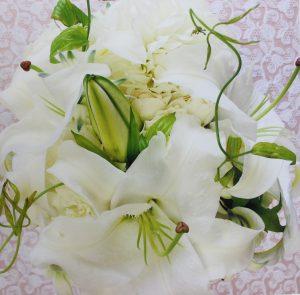 ホワイトフレームМ|カサブランカ鳥取お送り頂いた花