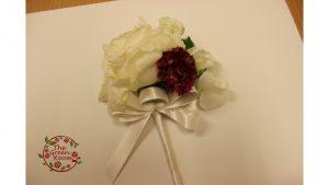 モダンウッド|大輪の百合のブーケは押し花Lサイズの中で堂々と美しさ|ブートニア