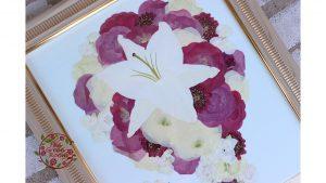 モダンウッド|大輪の百合のブーケは押し花Lサイズの中で堂々と美しさ|完成アップ