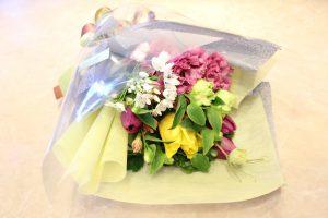 フラワーアレンジメント花束の注文|ありがとう♪50代女性へ送別のお花注文