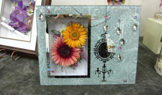 ガラスミラーフレーム|黄色とピンクのガーベラ