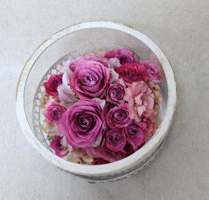 ケーキコラム|サプライズギフトの花束をインテリアとしてずっと楽しみませんか|完成上から