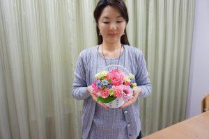 フラワーアレンジメント花束の注文|生花のフラワーアレンジメントをホテルモントレグラスミア大阪さんへお届けしました。