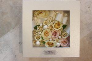 ボックスМ ウエディングブーケを額に入るだけ敷き詰めて花の宝石箱みたいに可愛い 完成全体図