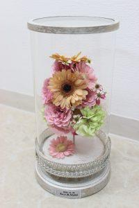 ガラスケーキコラム|プロポーズでもらったガーベラの花束をガラスコラムで残してみた|完成