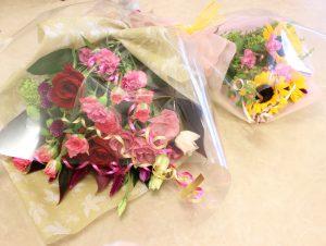 フラワーアレンジメント花束の注文 ピンクとひまわりの花束