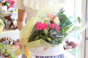 フラワーアレンジメント花束の注文|真夏のブーケ