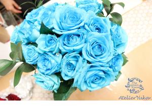 自分への誕生日プレゼントには水色のバラの花束を 持ち込み時