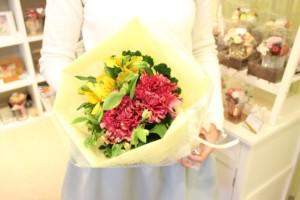 2000円生花花束2