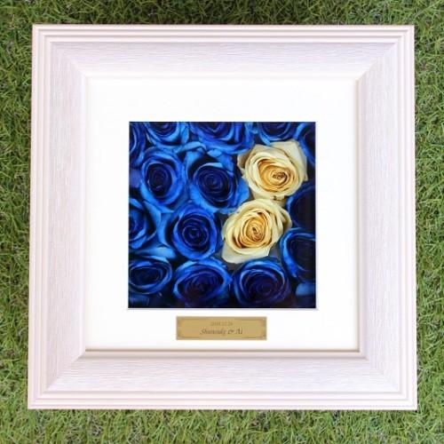 プロポーズのお花をそのまま保存加工|青バラ白薔薇完成全体