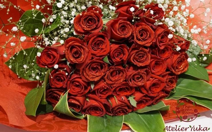 ラメ付きの薔薇をハート型の押し花に|持ち込み時花束